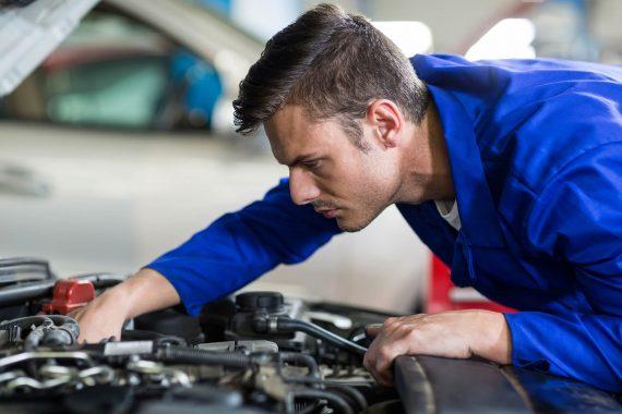 Inspektion Reparatur Fahrwerk Kontrolle Bremsanlage Reifendienst KFZ & Reifendienst Bachmann